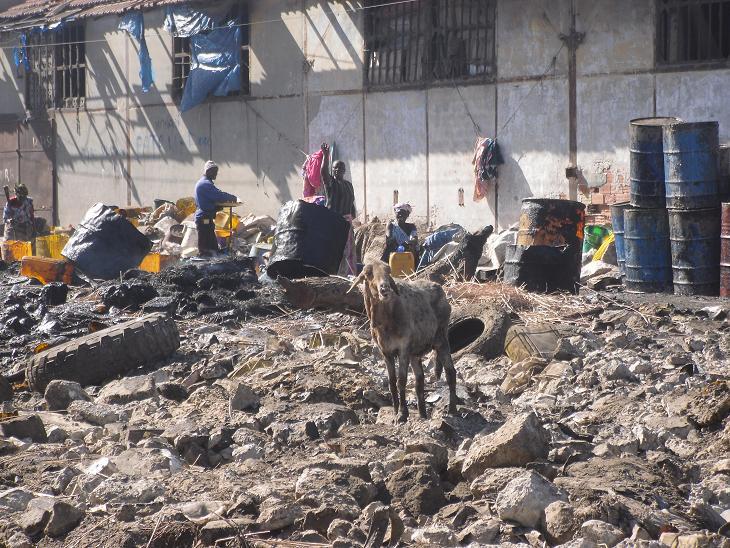 Oude, vervallen sloppenwijken vlak buiten het centrum