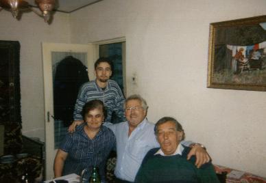 Mijn vader met de familie