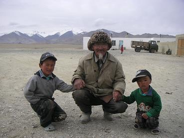 Opa en kleinkinderen